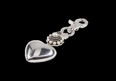 Burgh Haamstede | Sleutelhanger met hartjes bedel en subtiel Zeeuws knopje ingelegd met zoetwater parels