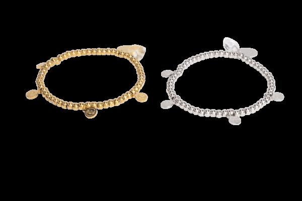 Elastisch armbandje met verschillende stainless steel bedeltjes en kralen in de kleuren goud en zilver.